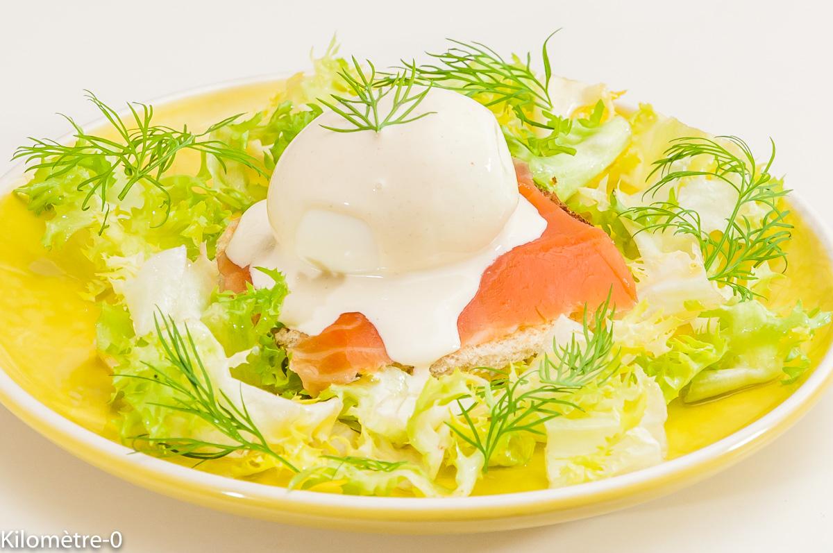 Photo de recette d'oeuf mollet, salade, samon fumé de  Kilomètre-0, blog de cuisine réalisée à partir de produits locaux et issus de circuits courts