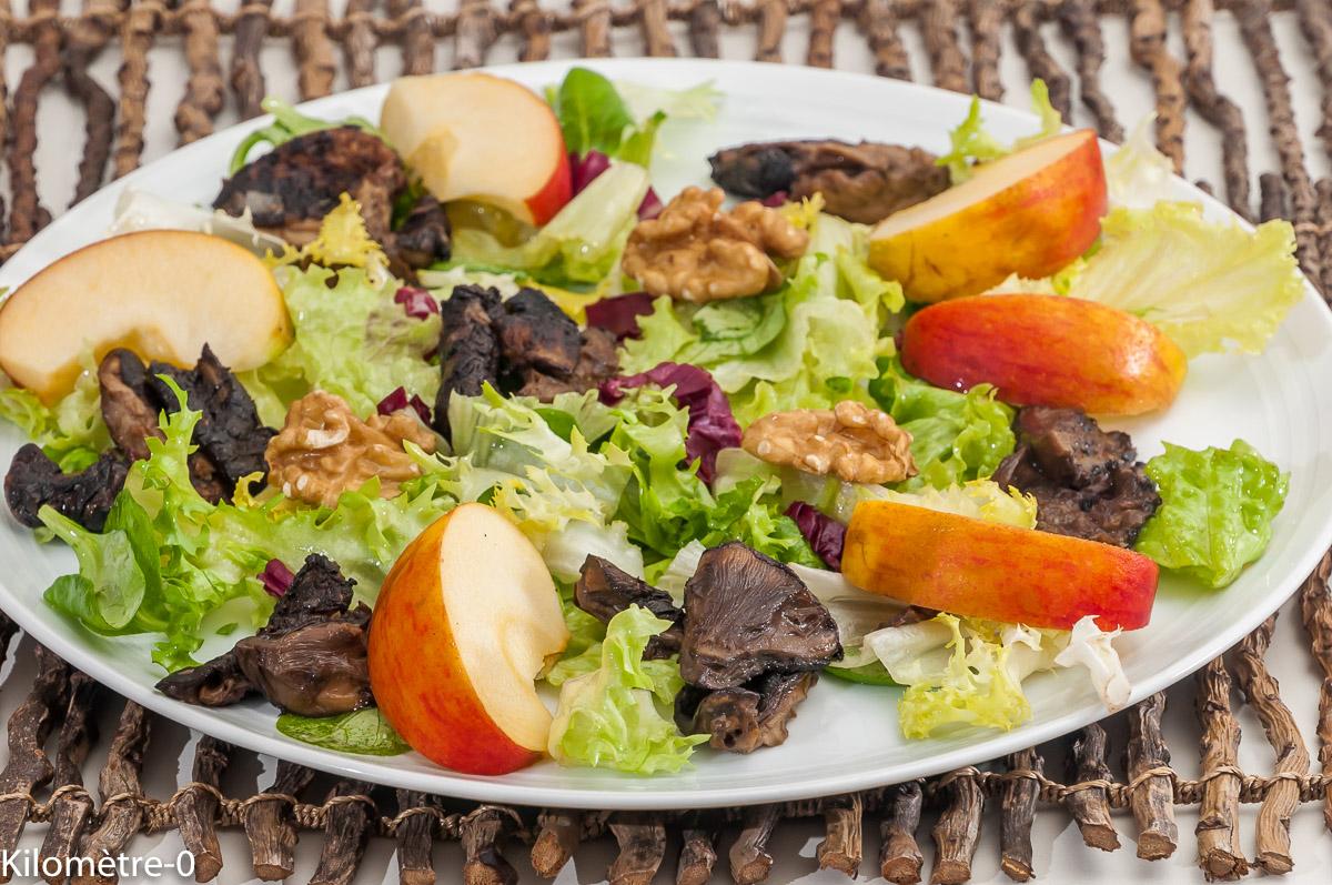 Photo de recette de salade, coulemelles, champignons, pomme, noix de Kilomètre-0, blog de cuisine réalisée à partir de produits locaux et issus de circuits courts