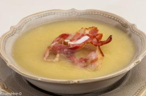 Photo de recette de soupe céleri, poireau, de Kilomètre-0, blog de cuisine réalisée à partir de produits locaux et issus de circuits courts
