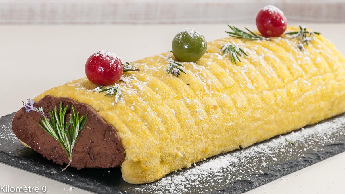 Photo de recette de bûche au chocolat, romarin de Kilomètre-0, blog de cuisine réalisée à partir de produits locaux et issus de circuits courts