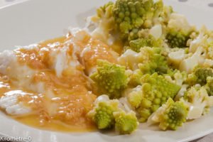 Photo de recette de merlu, beurre blanc, cidre Kerné, chou romanesco deKilomètre-0, blog de cuisine réalisée à partir de produits locaux et issus de circuits courts
