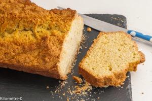 Photo de recette de cake nature, bio, facile, rapide de Kilomètre-0, blog de cuisine réalisée à partir de produits locaux et issus de circuits courts