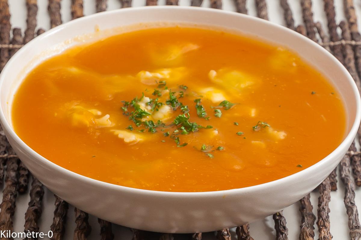 Photo de recette de soupe butternut, ravioles de Kilomètre-0, blog de cuisine réalisée à partir de produits locaux et issus de circuits courts