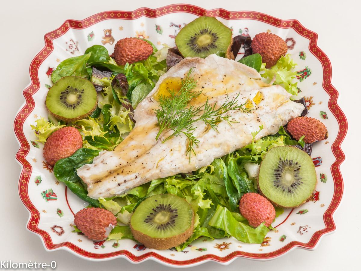 Photo de recette de  salade, bar, kiwis, litchis de Kilomètre-0, blog de cuisine réalisée à partir de produits locaux et issus de circuits courts