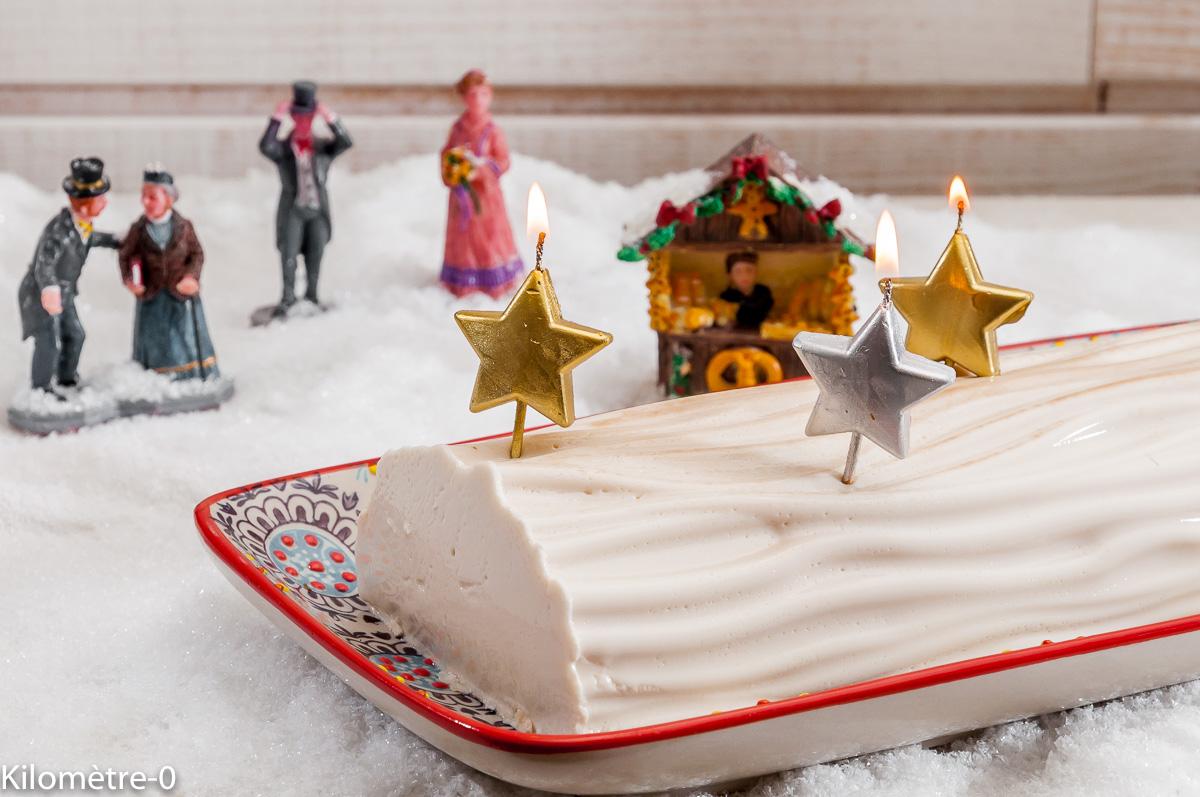 Photo de recette de panna cotta, amarene, bûche de Noël, facile, recette italienne de Kilomètre-0, blog de cuisine réalisée à partir de produits locaux et issus de circuits courts