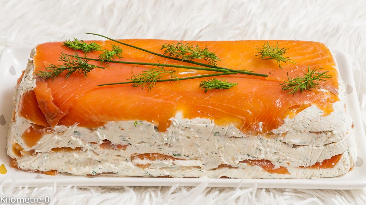 Photo de recette de terrine de truite fumée, saumon, fromage frais, fines herbes de Kilomètre-0, blog de cuisine réalisée à partir de produits locaux et issus de circuits courts