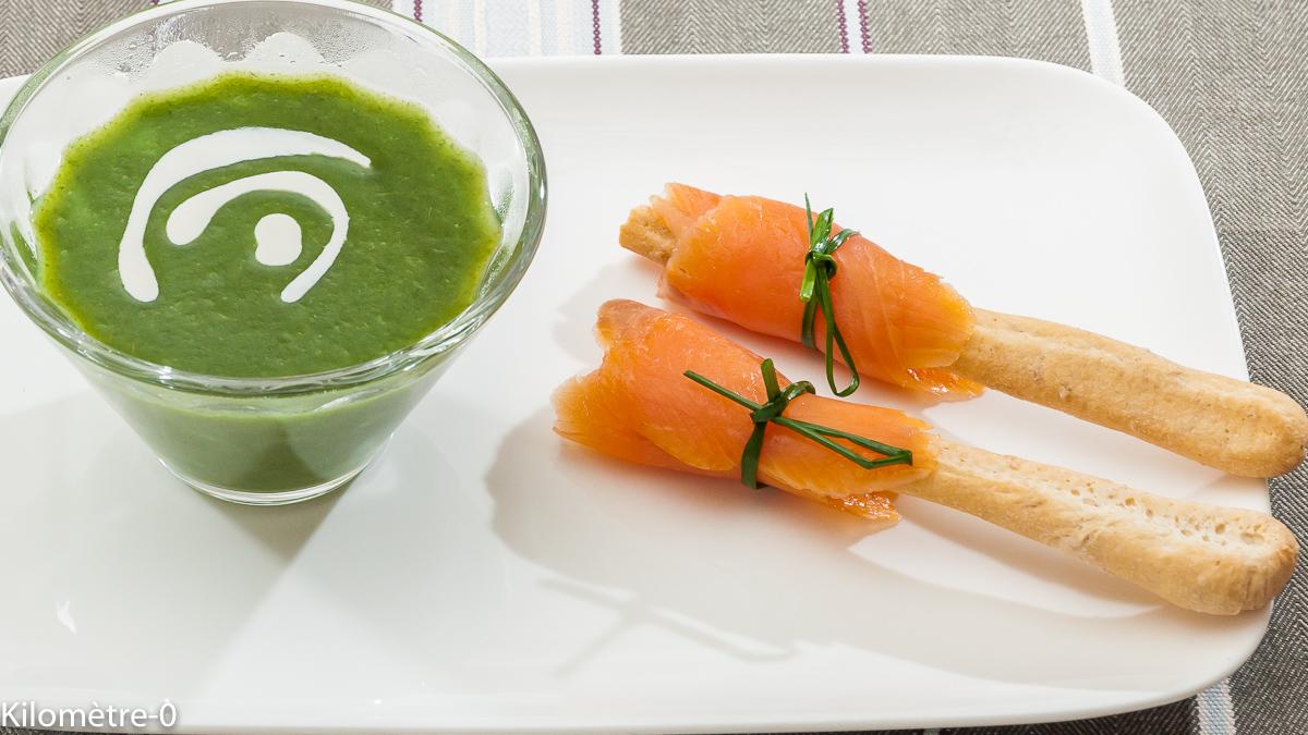Photo de recette de soupe de cresson, gressin, saumon fumé, truite fumée de Kilomètre-0, blog de cuisine réalisée à partir de produits locaux et issus de circuits courts