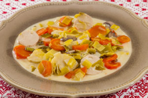 Photo de recette de blanquette, boudin blanc, poireaux, carottes, champignons, choux de Bruxelles de Kilomètre-0, blog de cuisine réalisée à partir de produits locaux et issus de circuits courts