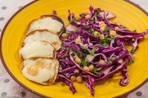 Photo de recette végétarienne, healthy, salade, chou rouge, pois chiche, scamorza, blinis, léger, facile, rapide de Kilomètre-0, blog de cuisine réalisée à partir de produits locaux et issus de circuits courts
