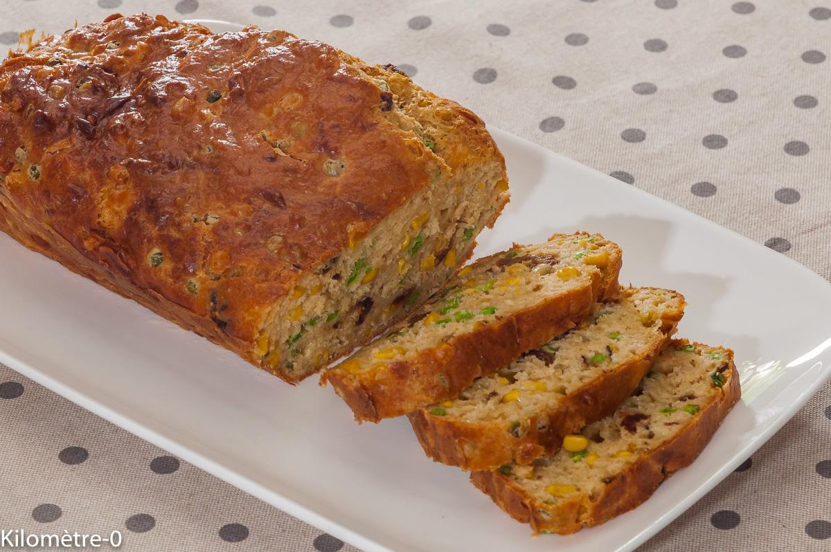 Photo de recette de cake au thon facile de  Kilomètre-0, blog de cuisine réalisée à partir de produits locaux et issus de circuits courts