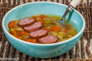 Photo de recette de soupe, flageolets, saucisse, Morteaux, carottes, hiver, facile, pas chère de Kilomètre-0, blog de cuisine réalisée à partir de produits locaux et issus de circuits courts