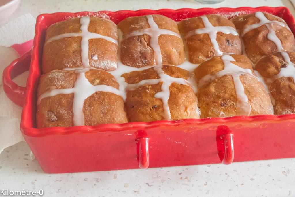 Photo de recette de hot cross buns, gourmand, brioche, Pâques, facile, maison  de Kilomètre-0, blog de cuisine réalisée à partir de produits locaux et issus de circuits courts