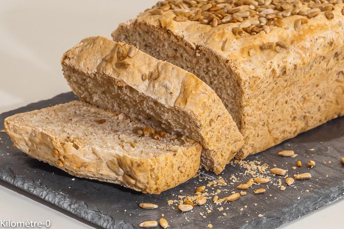 Photo de recette de pain bio très facile, très rapide, graines, tournesol, lin Kilomètre-0, blog de cuisine réalisée à partir de produits locaux et issus de circuits courts