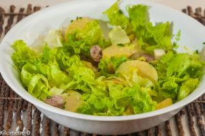 Photo de recette de salade de pommes de terre de Kilomètre-0, blog de cuisine réalisée à partir de produits locaux et issus de circuits courts