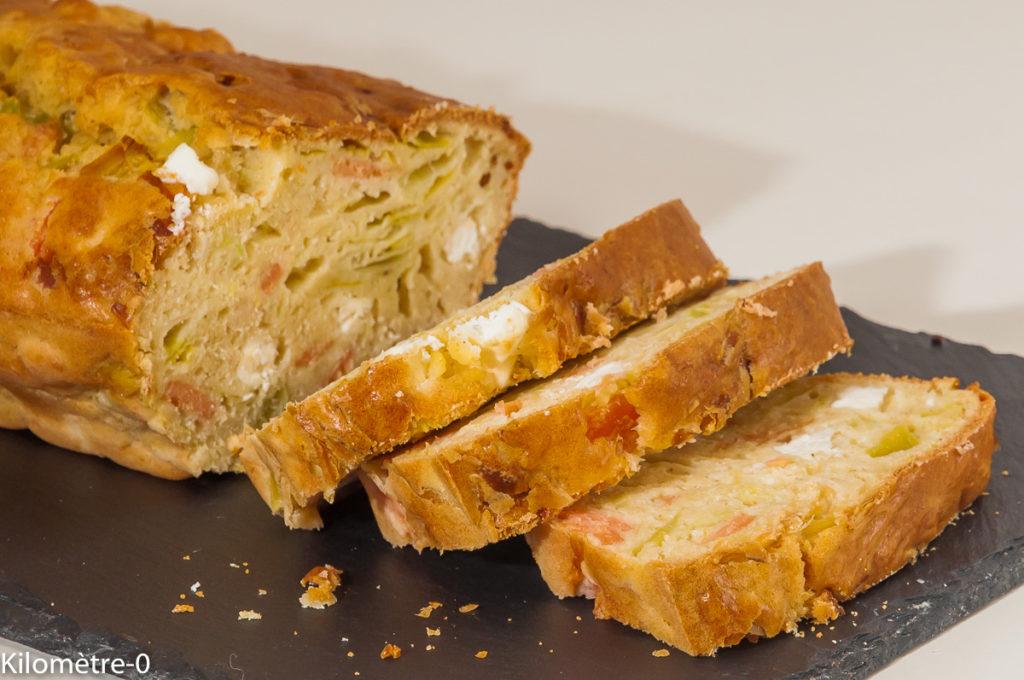 Photo de recette de cake salé, fêta, saumon fumé, poireaux de Kilomètre-0, blog de cuisine réalisée à partir de produits locaux et issus de circuits courts