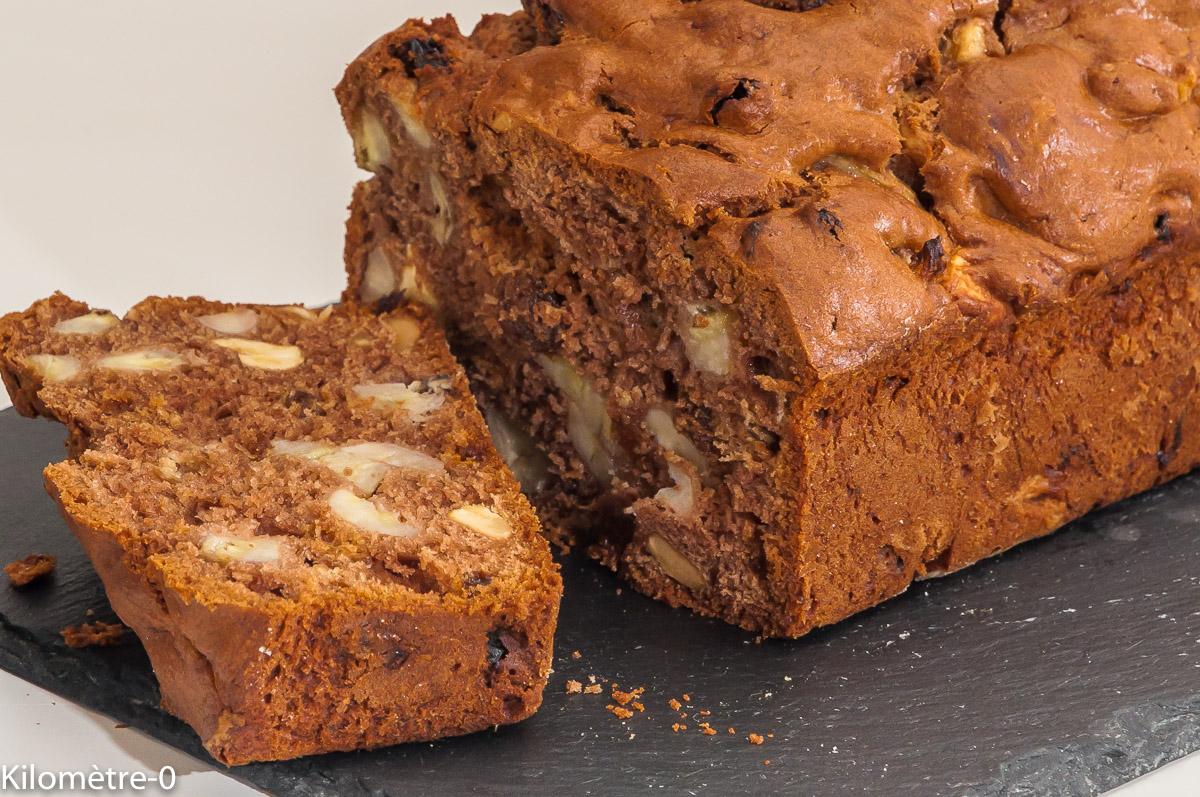 Photo de recette de cake, bananes, noix de cajou, raisins secs, facile, rapide, gâteau du matin, énergétique de  Kilomètre-0, blog de cuisine réalisée à partir de produits locaux et issus de circuits courts