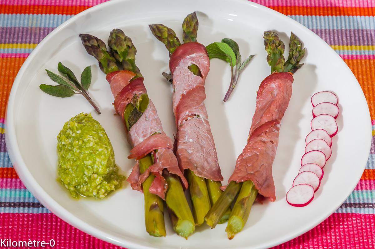 Photo de recette d'aspeges vertes, bacon, facile, rapide, printanière,  Kilomètre-0, blog de cuisine réalisée à partir de produits locaux et issus de circuits courts