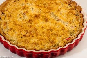 Photo de recette de  tarte, rhubarbe, spéculoos, crumble, gourmande, facile, Kilomètre-0, blog de cuisine réalisée à partir de produits locaux et issus de circuits courts