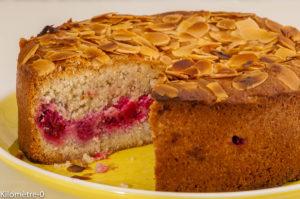 Photo de recette de gâteau, dessert facile, dessert rapide, blanc d'oeuf, amandes, framboises, léger, de  Kilomètre-0, blog de cuisine réalisée à partir de produits locaux et issus de circuits courts