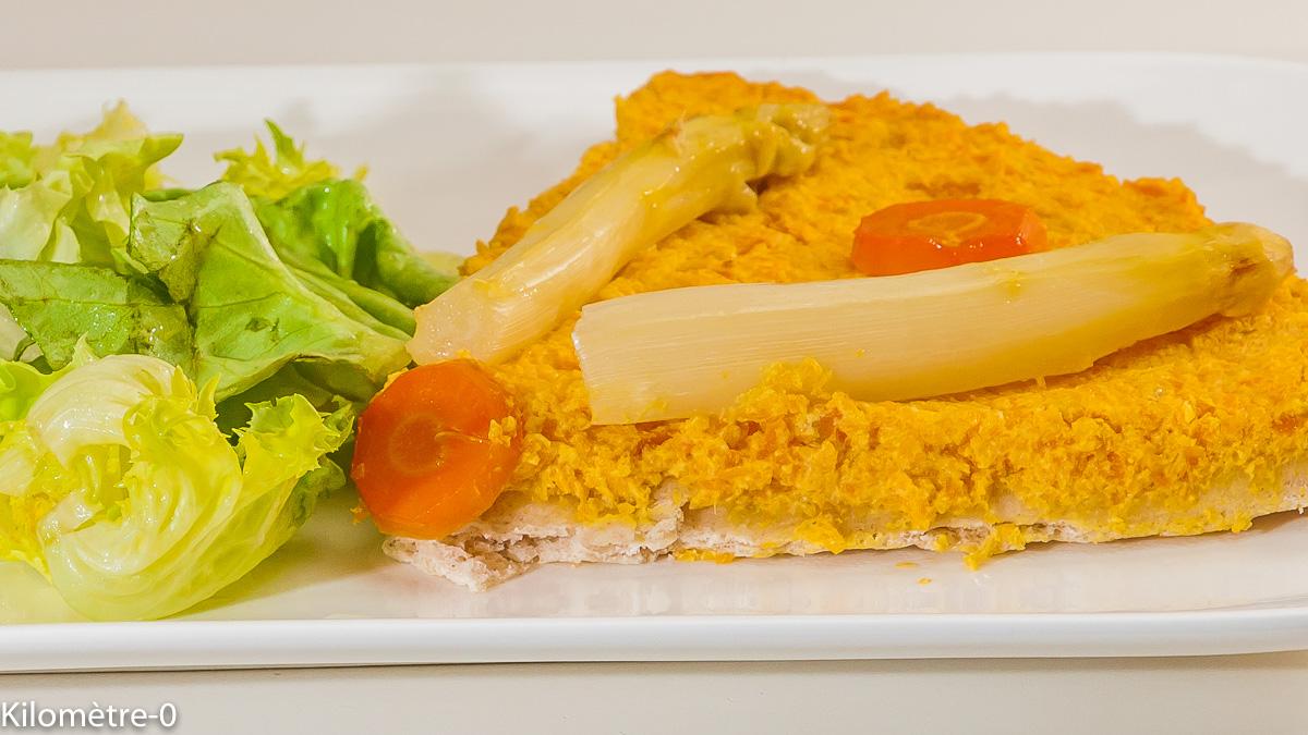 Photo de recette de pizza végétarienne, légumes, carotte, asperges, légère de Kilomètre-0, blog de cuisine réalisée à partir de produits locaux et issus de circuits courts