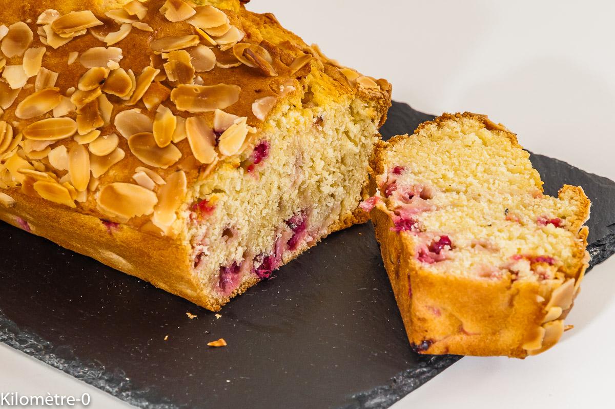 Photo de recette de  gâteau du matin, cake, amandes, groseilles de Kilomètre-0, blog de cuisine réalisée à partir de produits locaux et issus de circuits courts