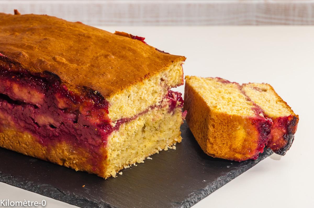 Photo de recette de gâteau du matin, coco, framboise, bio, facile, cake, goûter, fruits rouges de Kilomètre-0, blog de cuisine réalisée à partir de produits locaux et issus de circuits courts