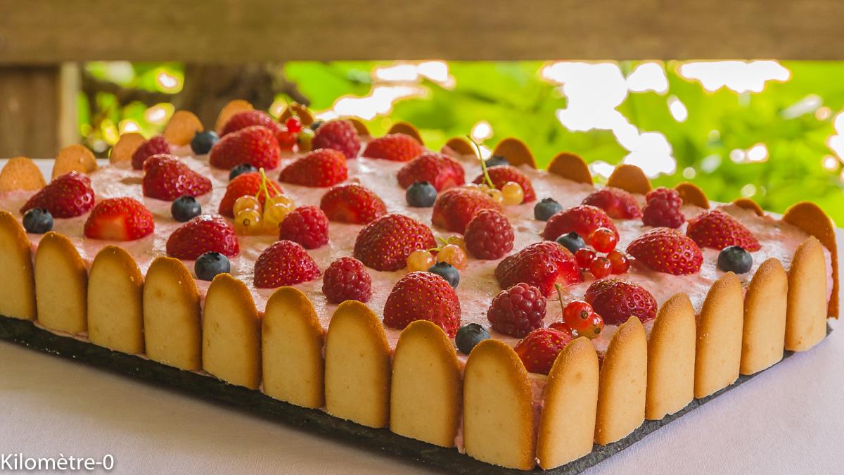 Photo de recette de  mousse aux fraises, fruits rouges, dessert, légère, charlotte facile de Kilomètre-0, blog de cuisine réalisée à partir de produits locaux et issus de circuits courts