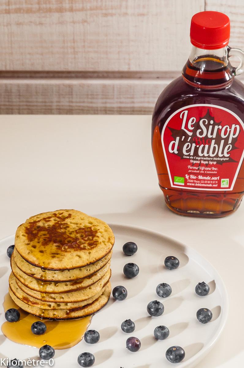 Photo de recette canadienne, Canada, pancake, facile, maison, rapide, myrtilles, sirop d'érable, de de Kilomètre-0, blog de cuisine réalisée à partir de produits locaux et issus de circuits courts