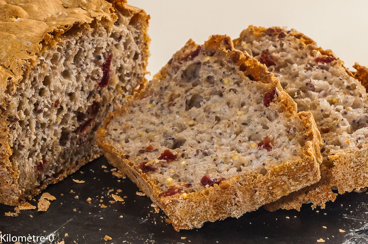 Photo de recette de  pain très rapide, facile, cranberries, graines, bio de Kilomètre-0, blog de cuisine réalisée à partir de produits locaux et issus de circuits courts