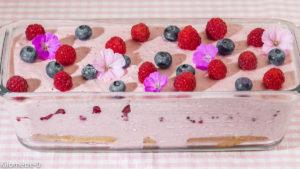 Photo de recette de charlotte facile, fruits rouges, fraises, framboises de Kilomètre-0, blog de cuisine réalisée à partir de produits locaux et issus de circuits courts