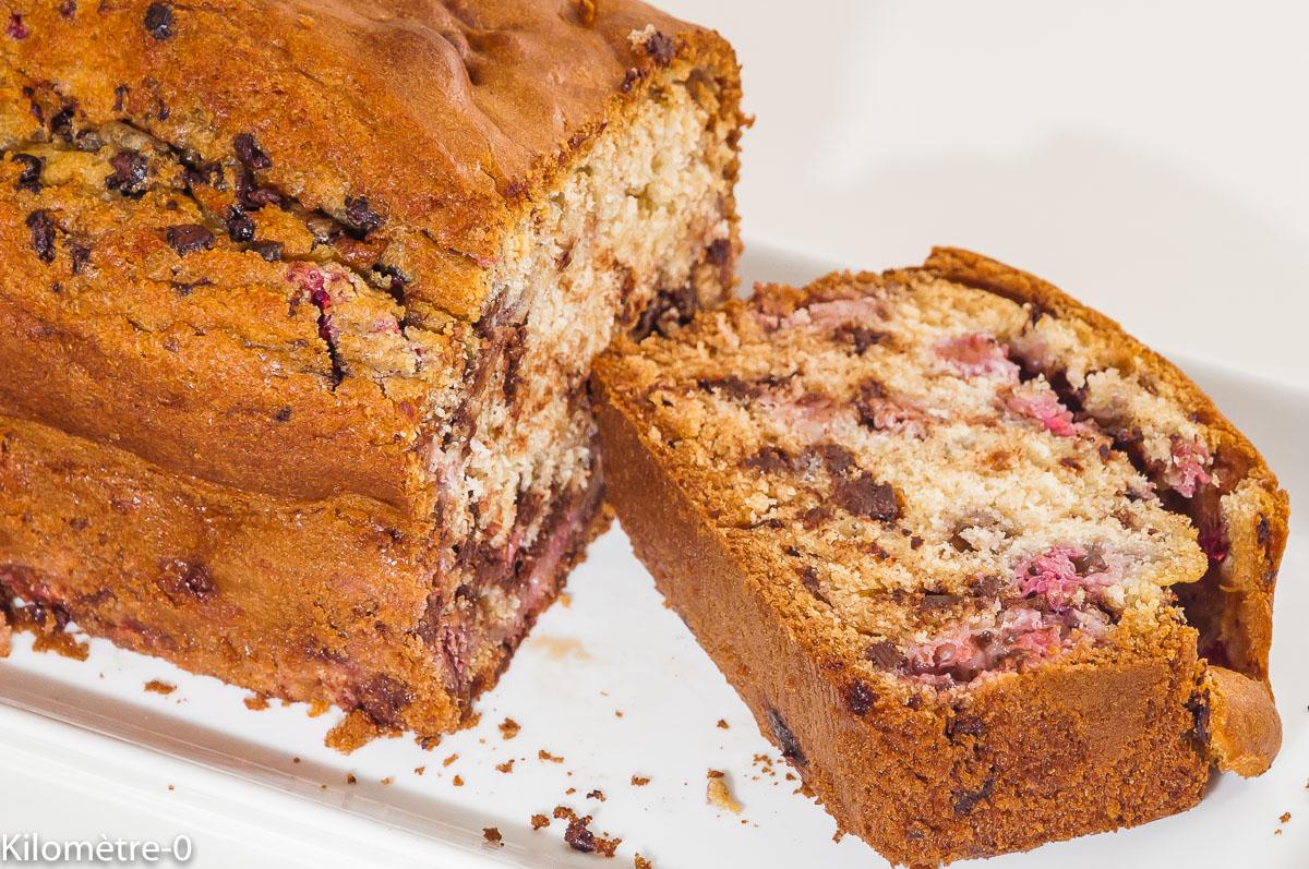 Photo de recette de gâteau du matin, framboises, chocolar, cake, facile, rapide, goûter,bio de Kilomètre-0, blog de cuisine réalisée à partir de produits locaux et issus de circuits courts