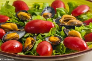Photo de recette de salade de moules aux salicornes et aux tomates de Kilomètre-0, blog de cuisine réalisée à partir de produits locaux et issus de circuits courts