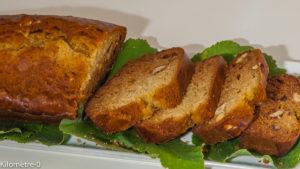 Photo de recette de gâteau du matin, cake, facile, noisettes, miel, tilleul de Kilomètre-0, blog de cuisine réalisée à partir de produits locaux et issus de circuits courts
