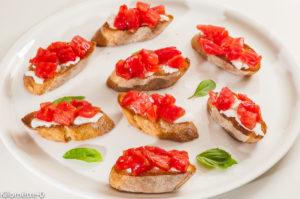 Photo de recette d'apéro facile, été, tomates, italienne, mozzarella de  Kilomètre-0, blog de cuisine réalisée à partir de produits locaux et issus de circuits courts