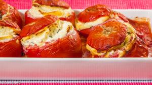 Photo de recette de  tomates farcies végétariennes, healthy, ricotta, facile, rapide, légère de Kilomètre-0, blog de cuisine réalisée à partir de produits locaux et issus de circuits courts