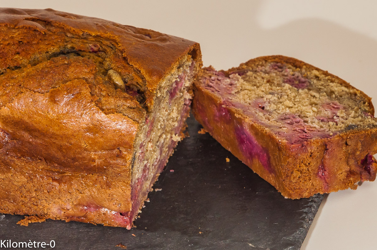 Photo de recette de gâteau du matin, cake, framboise, seigle de Kilomètre-0, blog de cuisine réalisée à partir de produits locaux et issus de circuits courts