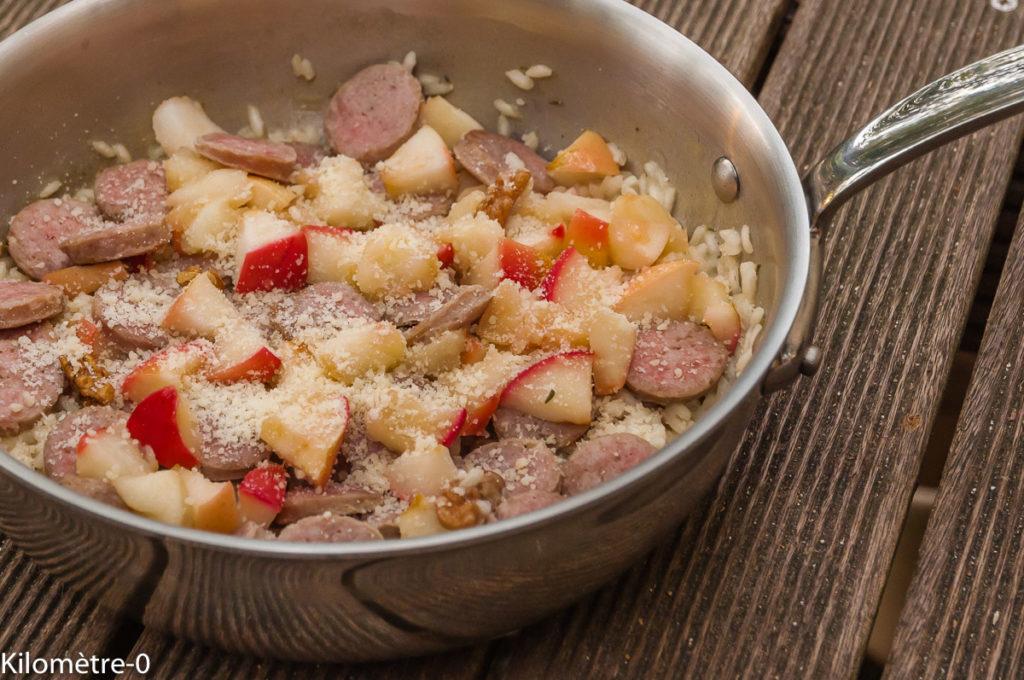 Photo de recette italienne, risotto facile, saucisse, pommes, noix de de Kilomètre-0, blog de cuisine réalisée à partir de produits locaux et issus de circuits courts