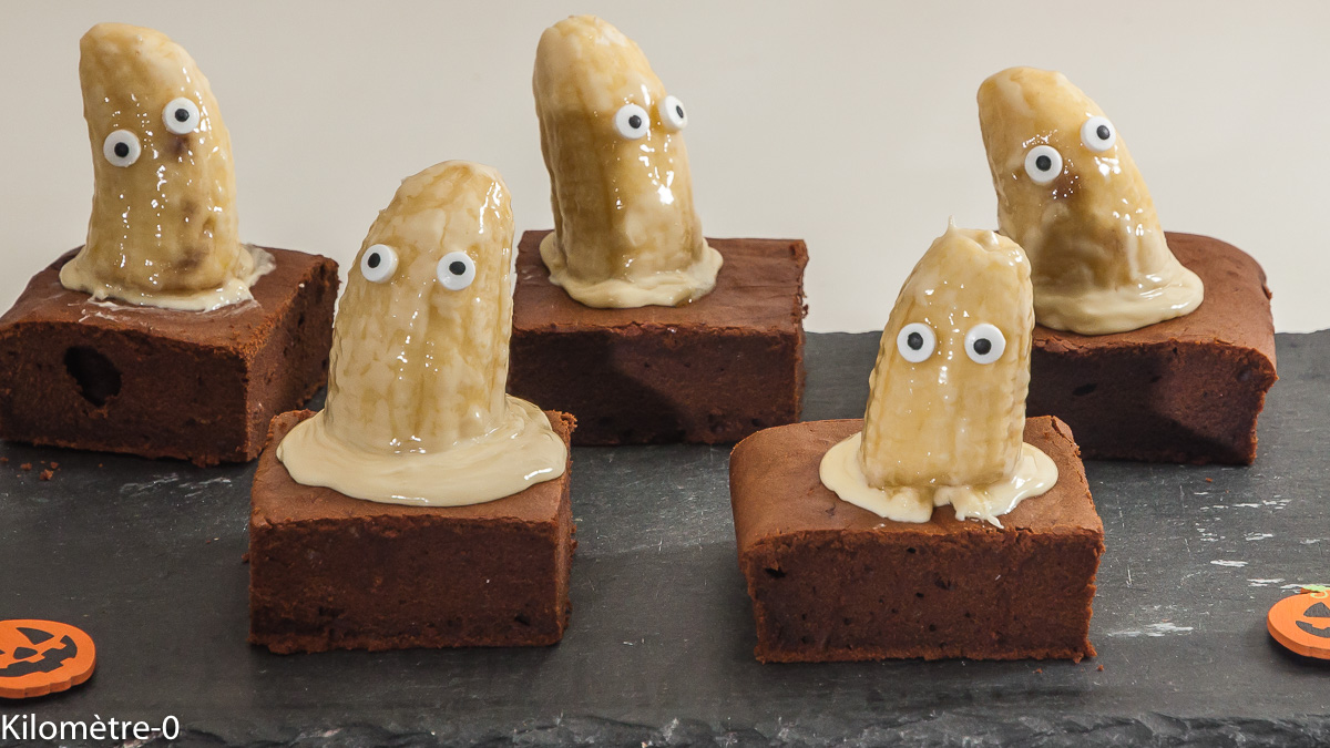 Photo de recette d'halloween facile, fantômes, fantomes, brownies, chocolat, enfant, amusante, gâteau,  Kilomètre-0, blog de cuisine réalisée à partir de produits locaux et issus de circuits courts