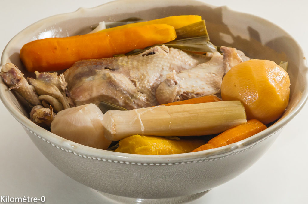 Photo de recette de poule au pot , légumes, automne, hiver, facile, bio , carotte, poireaux, navets, de Kilomètre-0, blog de cuisine réalisée à partir de produits locaux et issus de circuits courts