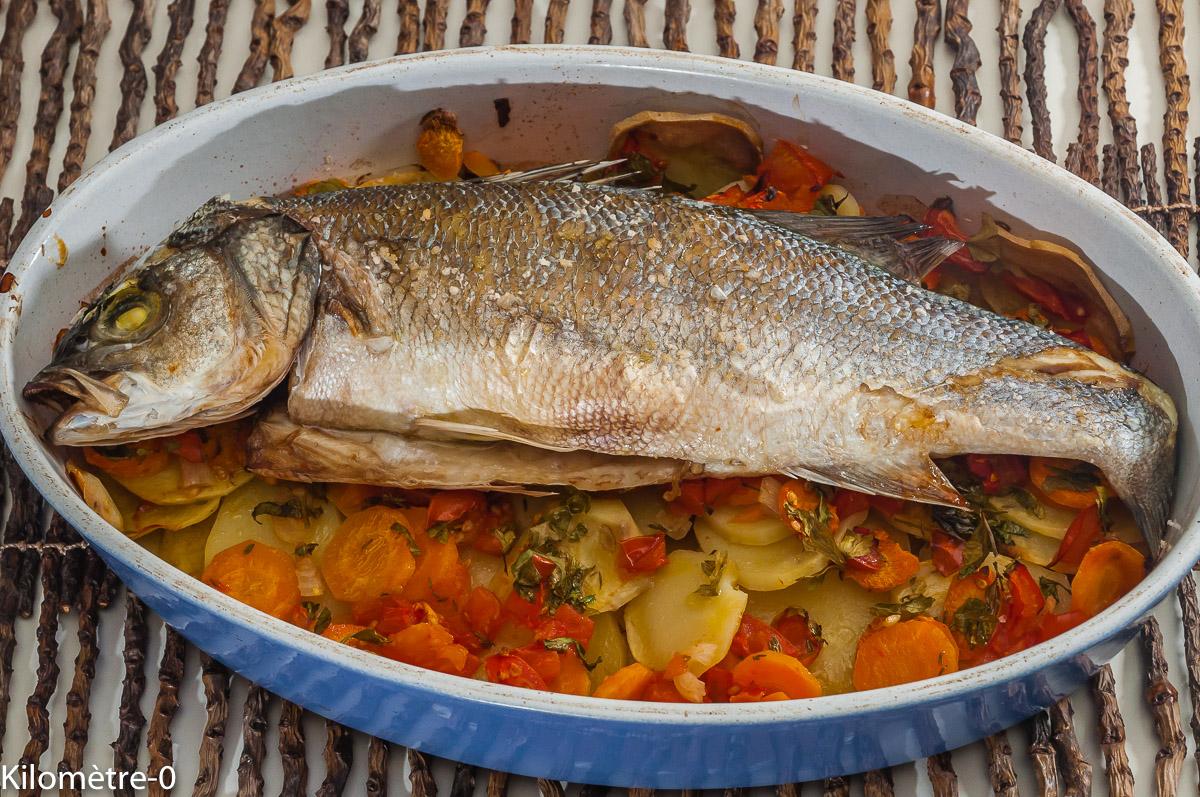 Photo de recette de Monaco, bar à la monégasque, pommes de terre, carottes, poisson au four, facile, léger de  Kilomètre-0, blog de cuisine réalisée à partir de produits locaux et issus de circuits courts