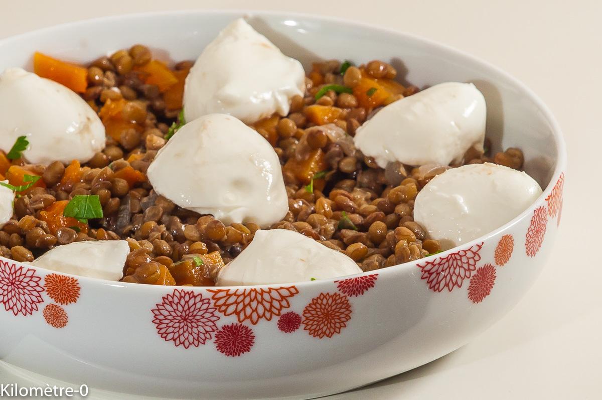 Photo de recette de lentilles aux courges butternut, salade, mozzarella, facile, économique de Kilomètre-0, blog de cuisine réalisée à partir de produits locaux et issus de circuits courts