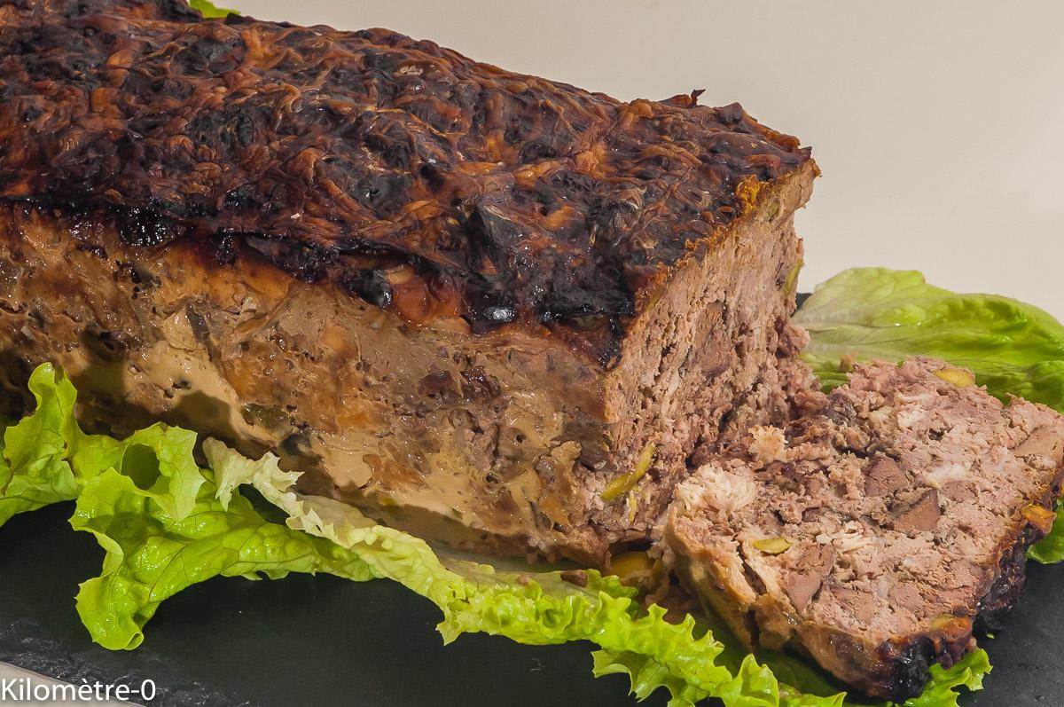 Photo de recette de terrine de porc, foie, pâté, volailles, pistaches, de Kilomètre-0, blog de cuisine réalisée à partir de produits locaux et issus de circuits courts