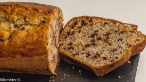 Photo de recette de  gâteau du matin, cake facile, rapide, banane, chocolat, bio de Kilomètre-0, blog de cuisine réalisée à partir de produits locaux et issus de circuits courts