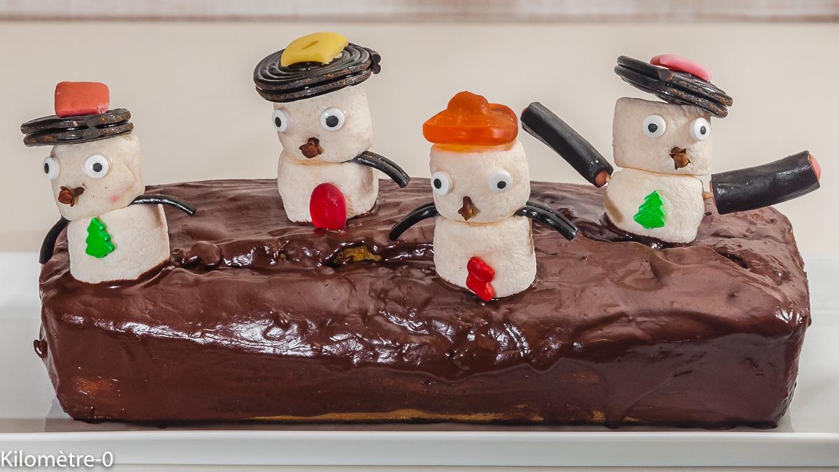 Photo de recette de gâteau, dessert, cake, chocolat, Noël, bonhomme de neige, enfant, fête, légumes, courge, bonbons, facile, rapide, léger de Kilomètre-0, blog de cuisine réalisée à partir de produits locaux et issus de circuits courts