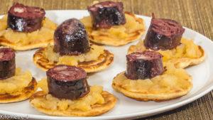 Photo de recette de blinis maison, facile, boudins noirs, pommes, compote, apéro, Kilomètre-0, blog de cuisine réalisée à partir de produits locaux et issus de circuits courts