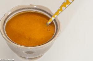 Photo de recette de  soupe, velouté, potimarron, chorizo, légère, facile, rapide, bio, healthy, Kilomètre-0, blog de cuisine réalisée à partir de produits locaux et issus de circuits courts