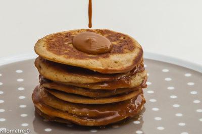 Photo de recette de  pancake facile, goûter, économique, facile, rapide, Bretagne, caramel maison de chandeleur, pancake, caramel au beurre salé, bretonne, facile, économique de Kilomètre-0, blog de cuisine réalisée à partir de produits de saison et issus de circuits courts
