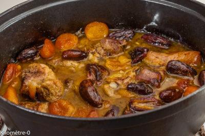 Photo de recette de mijoté de porc, palette, facile, fruits secs, dattes, abricots, cuisine bistrot de Kilomètre-0, blog de cuisine réalisée à partir de produits de saison et issus de circuits courts