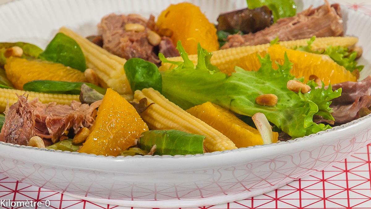 Photo de recette de salade de confit de canard, maïs, orange, facile, rapide, pignons de Kilomètre-0, blog de cuisine réalisée à partir de produits de saison et issus de circuits courts