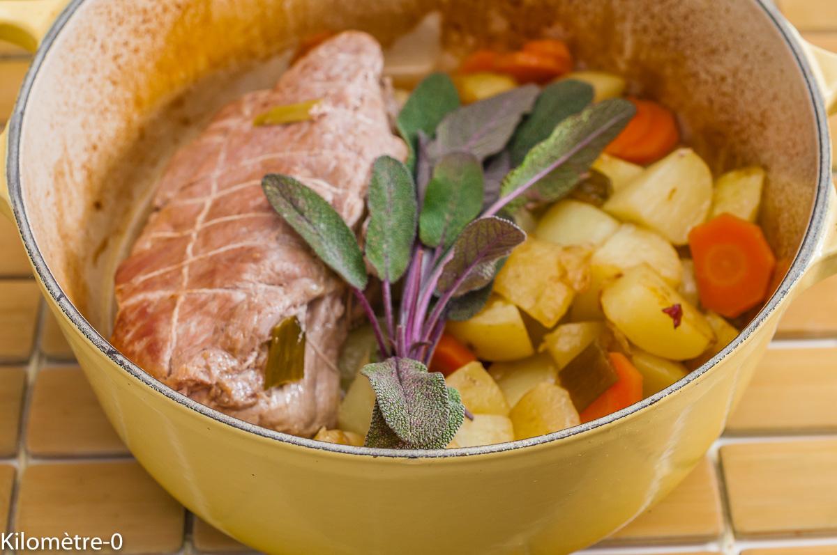 Photo de recette facilen, rapide, bio de rôti de porc, sauge, pommes de terre nouvelles de de Kilomètre-0, blog de cuisine réalisée à partir de produits de saison et issus de circuits courts